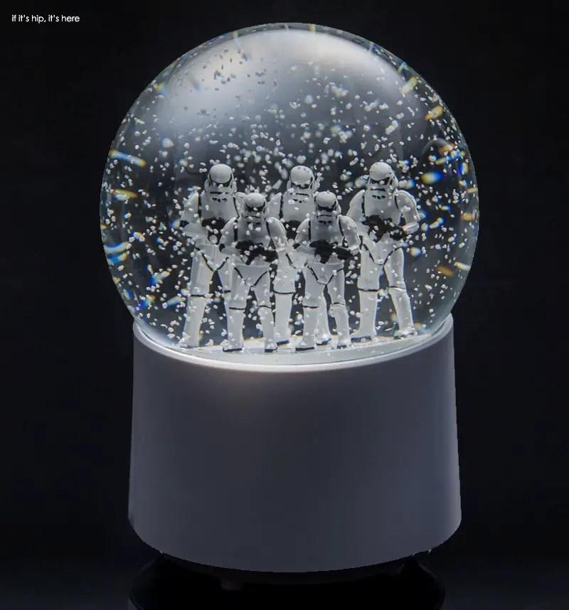 Stormtroopers wireless snowglobe speaker