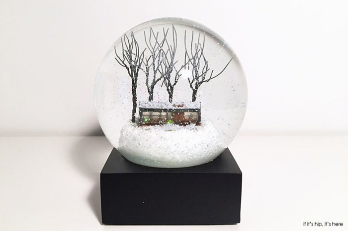 Glass house snow globe philip johnson