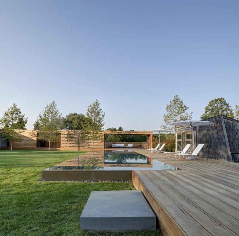 Mothersill-pool and mahogany decking