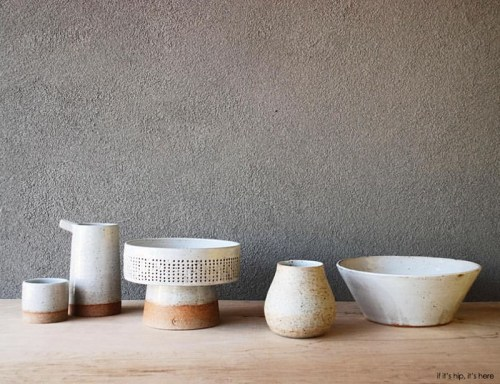 Read more about the article Marvelous Modernist and Graphic Ceramics From Pawena Studio.
