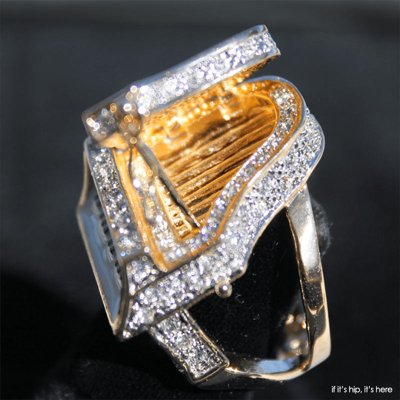 The New Paris Limited Edition Liberace Opening Piano Ring