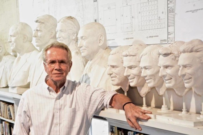 American sculptor William Behrends has been adding the race winners' faces onto the #BorgWarnerTrophy for 30 years, since 1990
