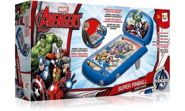 Divertitevi insieme agli Avengers con il flipper di IMC Toys
