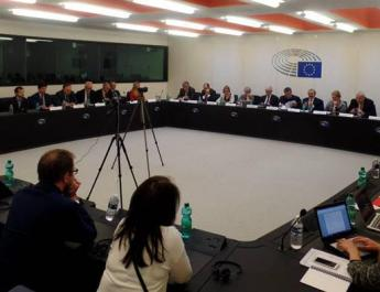 ifmat - European Lawmakers wants Change of Policy Towards Iran