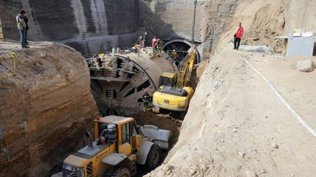 ifmat - Metro Wall Collapses in Qom; Workers Buried Under Debris 3