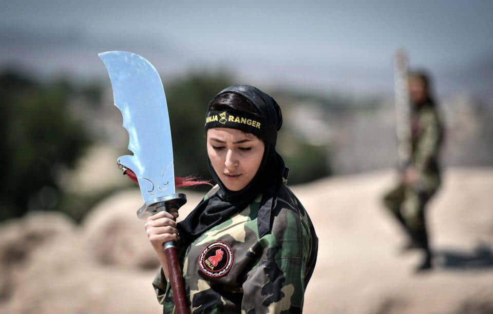 ifmat - Iran trains females to become fighting force
