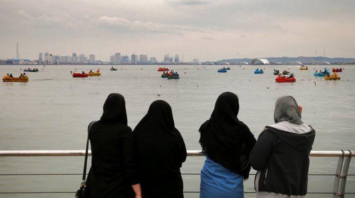 ifmat - Iranian womens are tired of their veils they stage rare protests