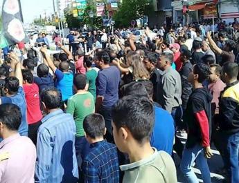 ifmat - Thousands of people uprising in Iran