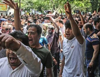 ifmat - Anger in Iran after police arrest striking workers in overnight raids