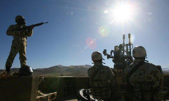 ifmat - Iran regime holds infantry drill involving 12000 troops