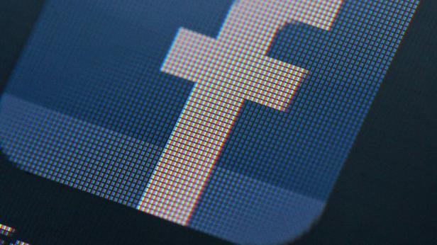ifmat - Facebook removes hundreds of fake accounts linked to Iran