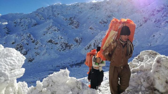 ifmat - Iranian military shoot and kill improverished porters
