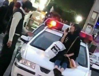 ifmat - In Hijab dispute in Iran police arrest woman