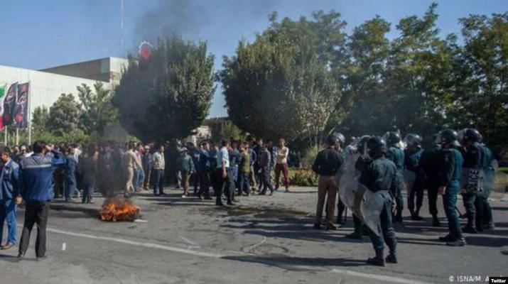ifmat - Iran police arrests workers on strike because of non-payment of wages