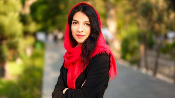ifmat - Iran sentences young Christian woman to 10 lashes and 3 months in prison