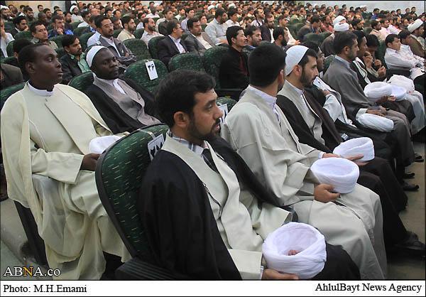 ifmat - Al Mustafa graduates receive turbans