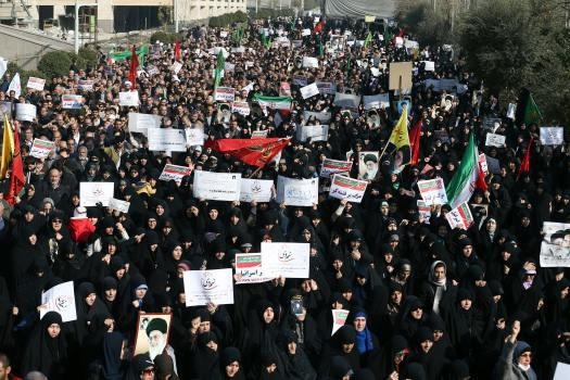 ifmat - More than 50000 in Iran demand end to military conscription