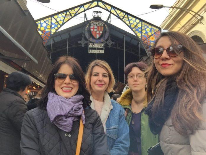 tornare nei luoghi per creare nuovi ricordi Con le amiche a Barcellona