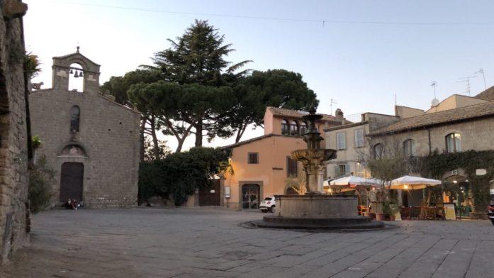 la Piazza del Gesù di Viterbo