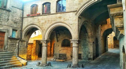 San Pellegrino non pò mancare a Viterbo durante una gita a Viterbo per una giornata
