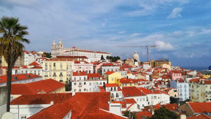 è più bella lisbona o porto? I tetti e i colori di Lisbona