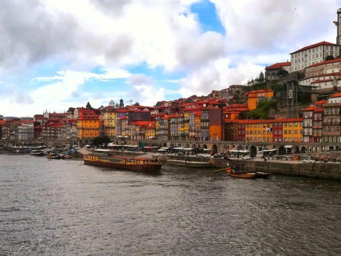 48 ore per visitare Porto con colori ovunque