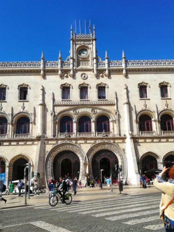 stazione di Rossio partenza per decidere Cosa visitare in un giorno a Sintra