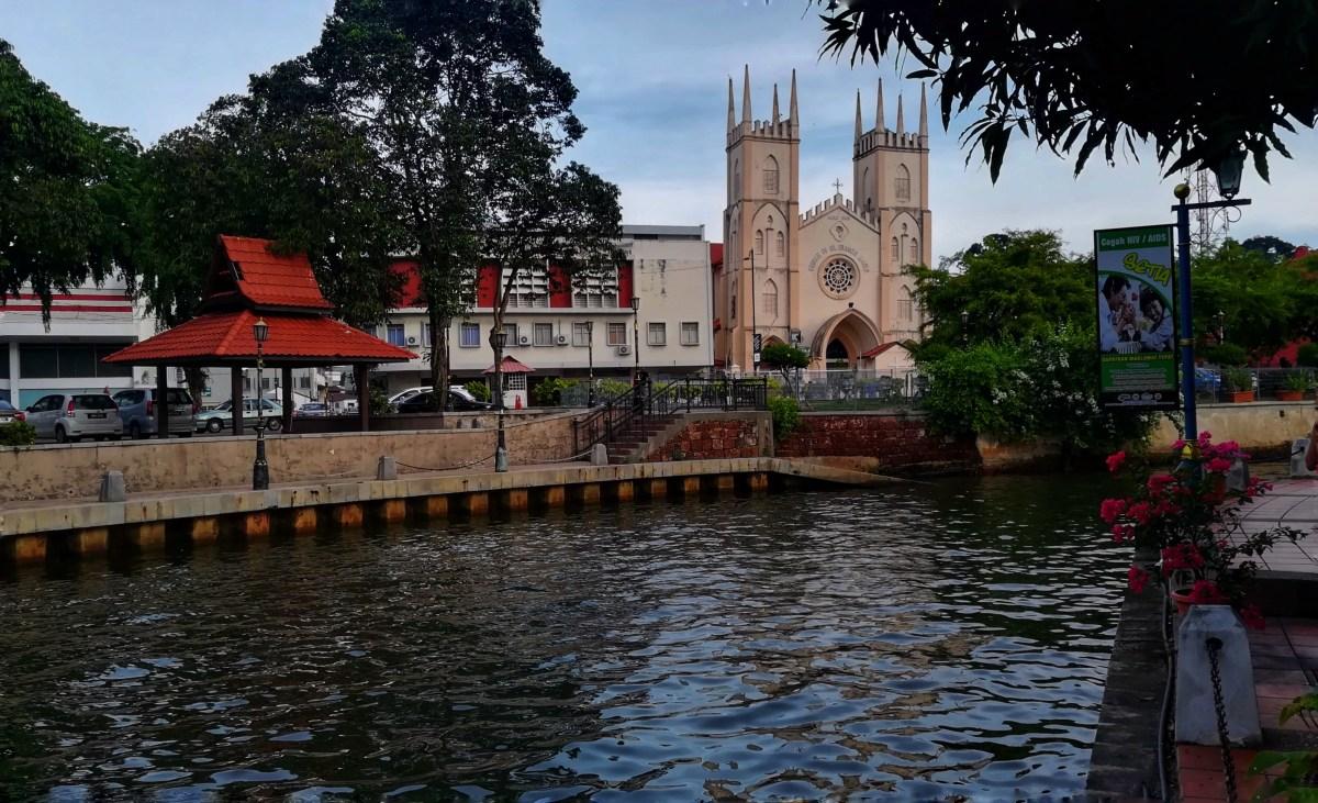 Gita in giornata a Malacca tra colori, buon cibo e storia