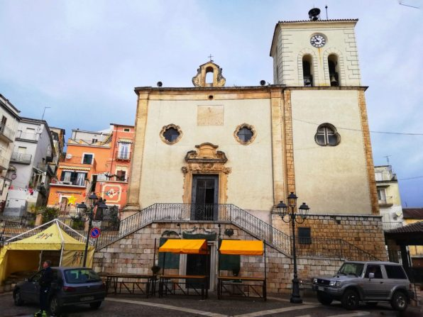 Piazza-del-popolo-di Carpino