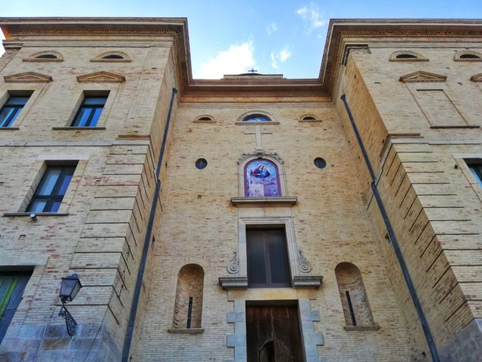 facciata-secondaria-chiesa-Biccari