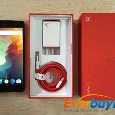 OnePlus 2-unboxing-usb-cable-charger-phone