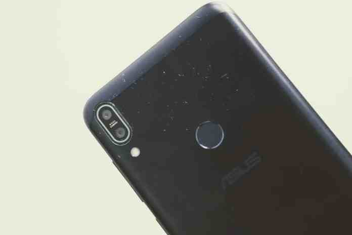 "Zenfone Max Pro (M1) Hands-On Review - ""Made for India"" Smartphone - 2"