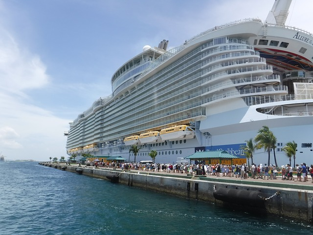 Tour the World with an Ultimate World Cruise experience!