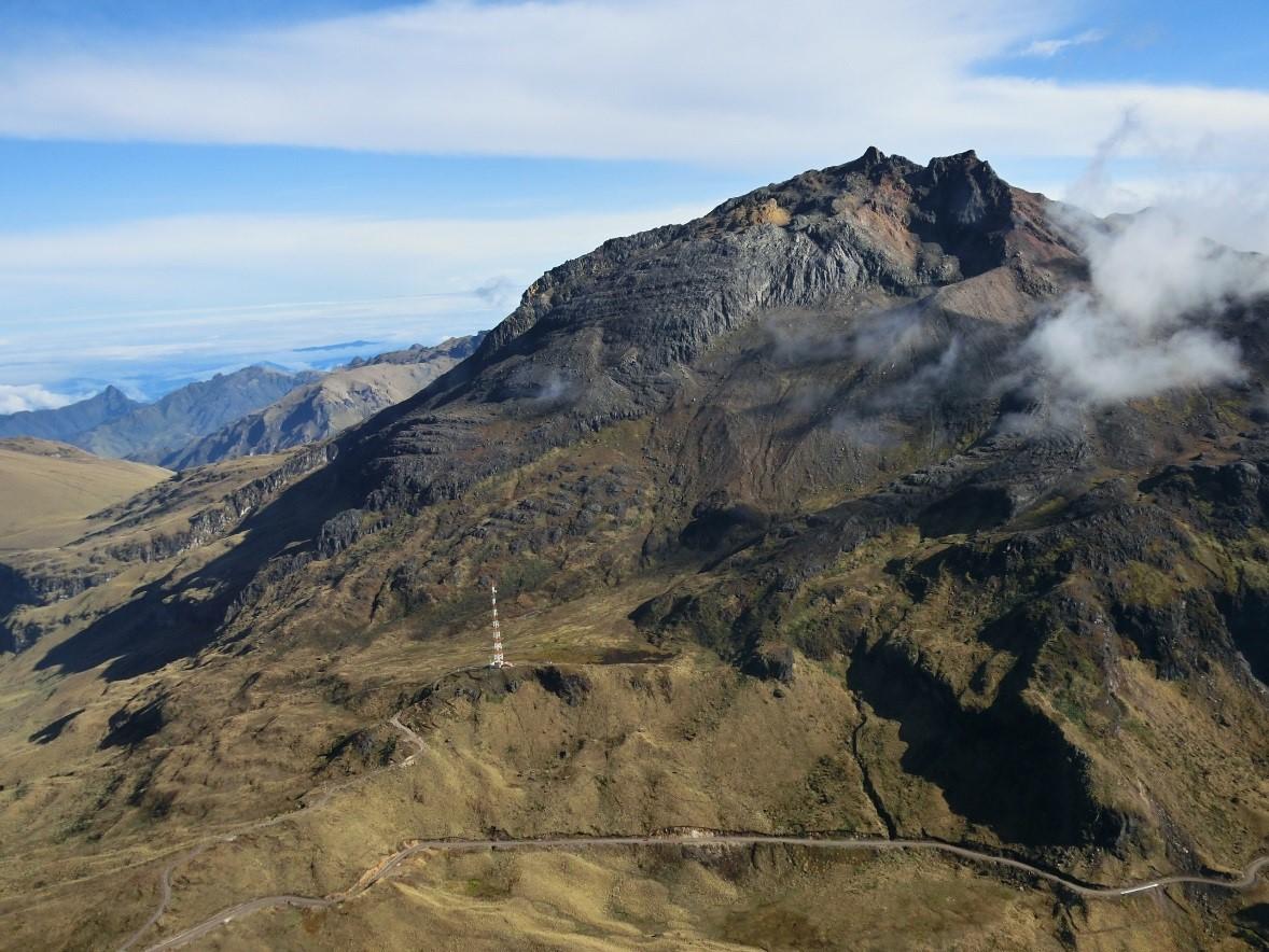 https://i2.wp.com/www.igepn.edu.ec/images/portal/noticias/volcanes/chiles20141105-4.jpg