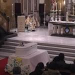 Multitudinario funeral por Gabriel: «Su muerte violenta le acerca de manera muy especial a Cristo»