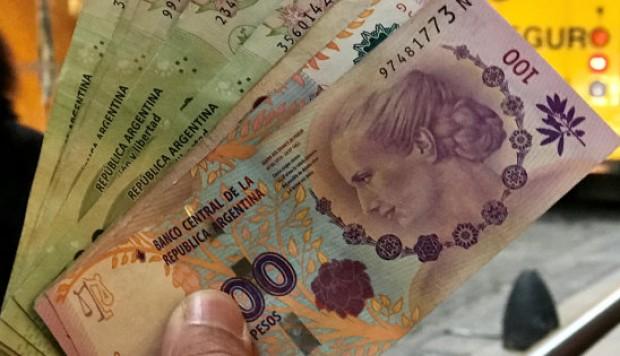 Bono 5000 pesos sector privado deberá abonar los 5.000 pesos. Abrirían una línea de financiamiento bancario para las que no pueden pagarlo