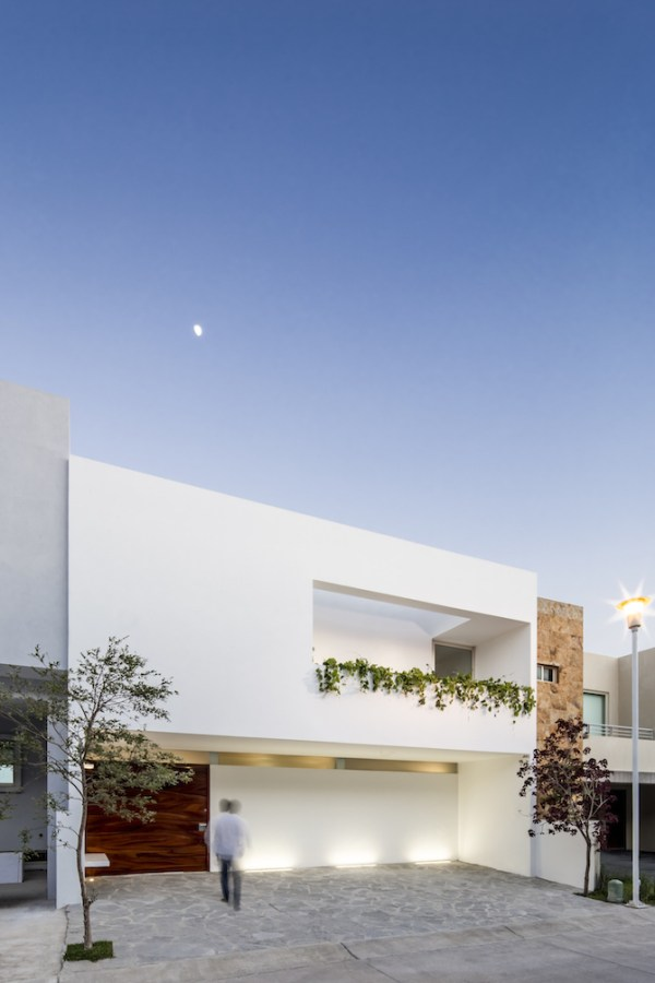 Casa V, Mexico