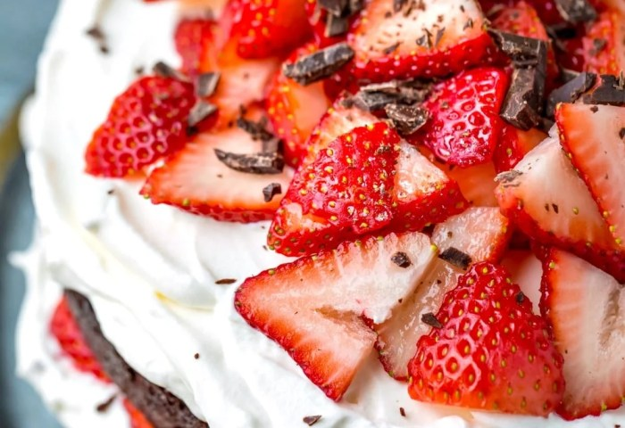 Strawberries And Cream Chocolate Cake I Heart Eating