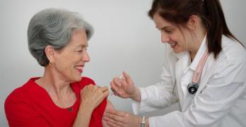 Estudo do IHMT alerta para consequências da emigração de profissionais de saúde