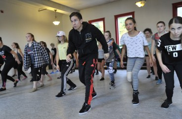 """Hamilton"" choreographer shows expert class in Gorham"