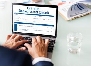 background-checks-online-vs-private-investigator