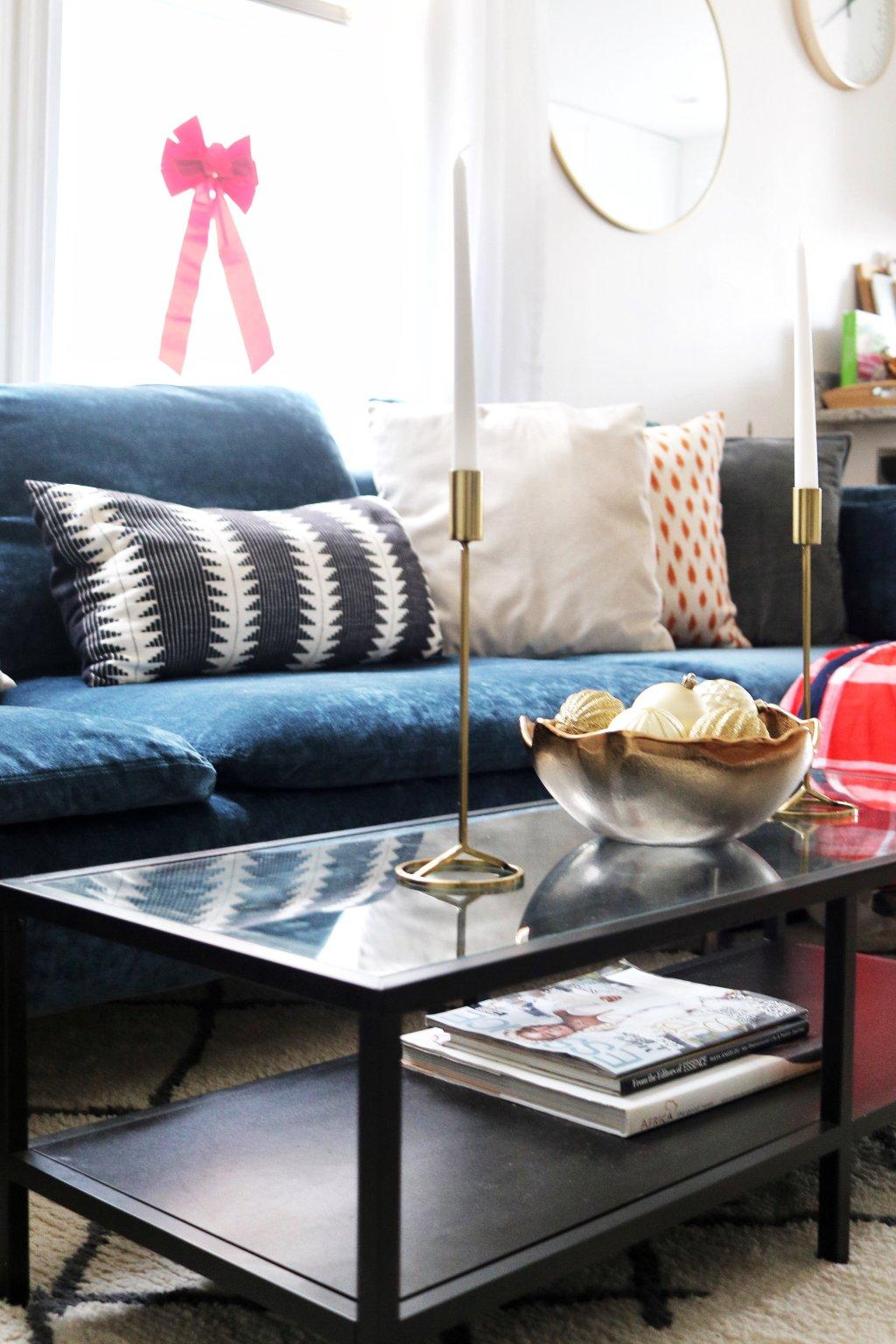 Easy Living Room Decor for the Holidays | Klassy Kinks