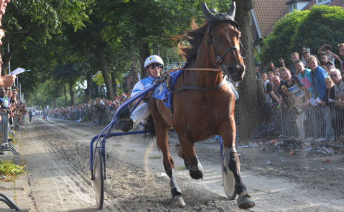 "Thema Dorpsfeest Santpoort: ""Royal Ascot"""