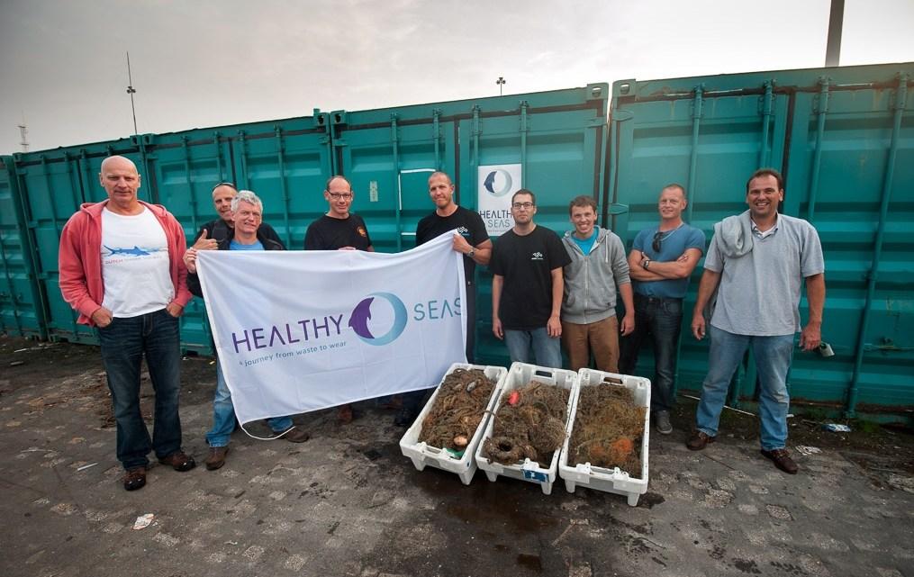 Healthy Seas beach cleanup en duikbootbezoek in IJmuiden