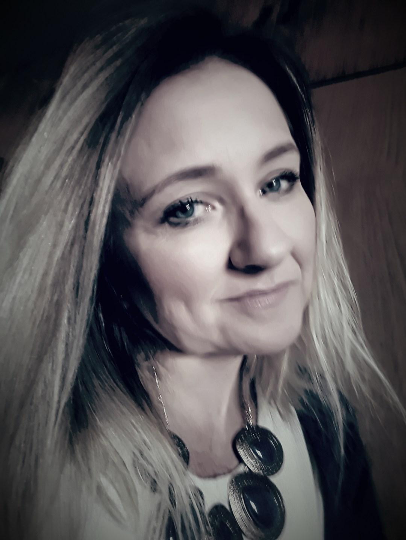 Ivânia Helena Schmidt Robbi