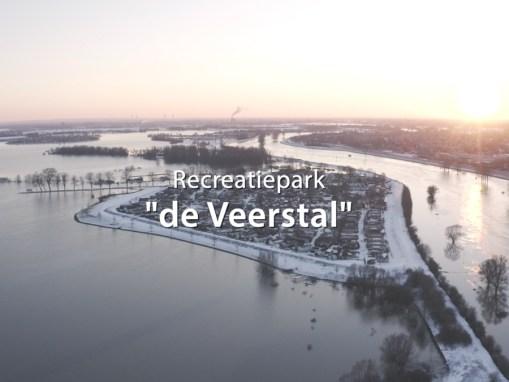 Recreatiepark de Veerstal met hoogwater èn sneeuw