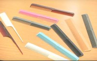 plastic-combs