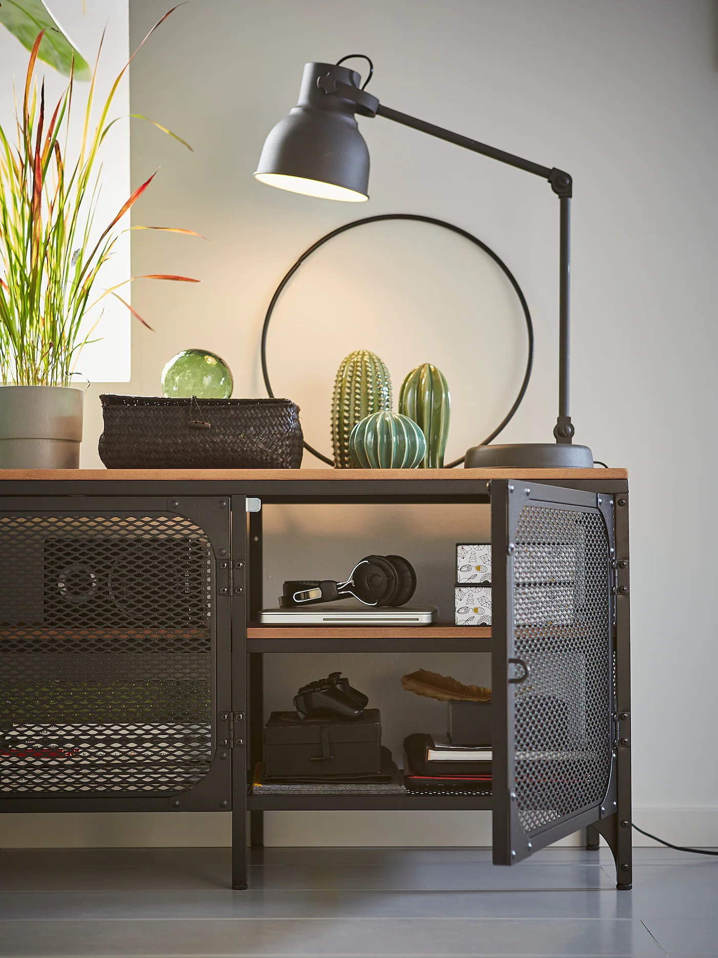 fjallbo banc tv noir 150x36x54 cm