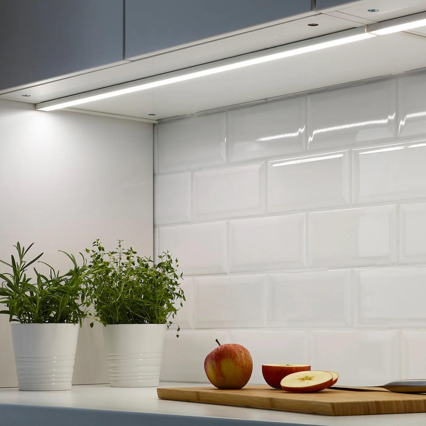 omlopp eclairage plan travail a led blanc 80 cm