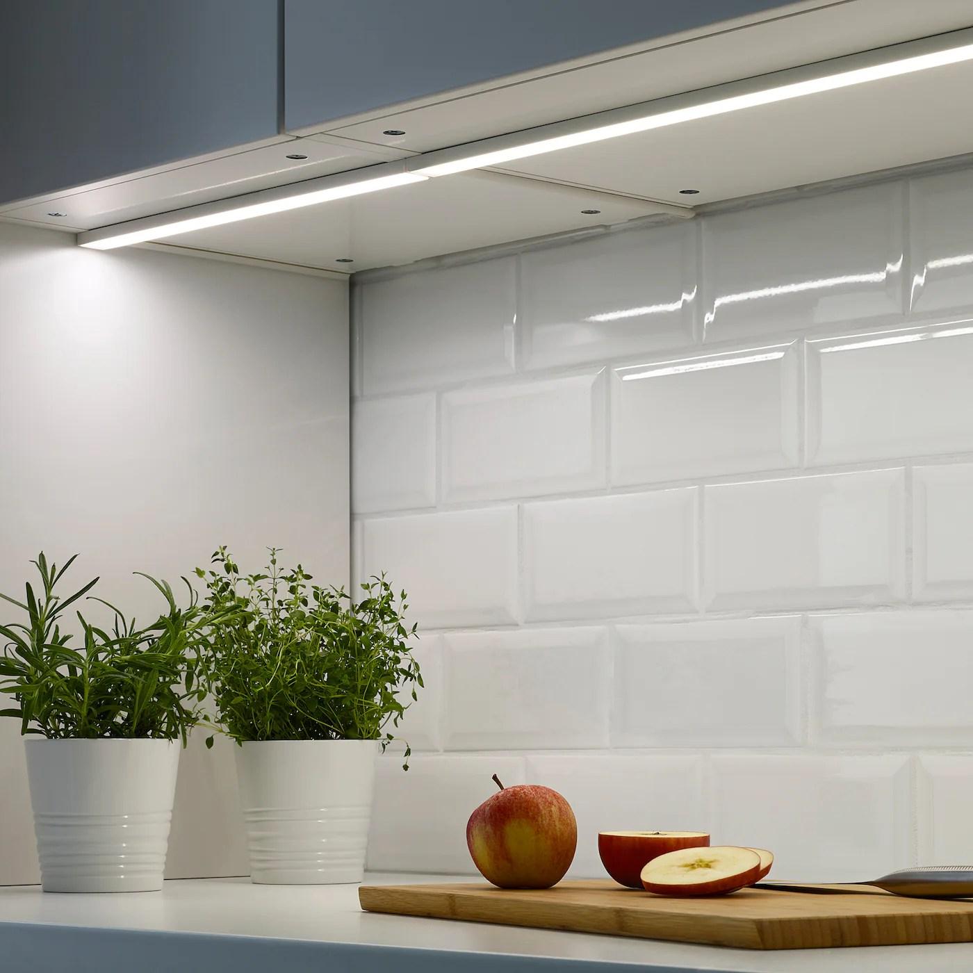 omlopp eclairage plan travail a led blanc 40 cm